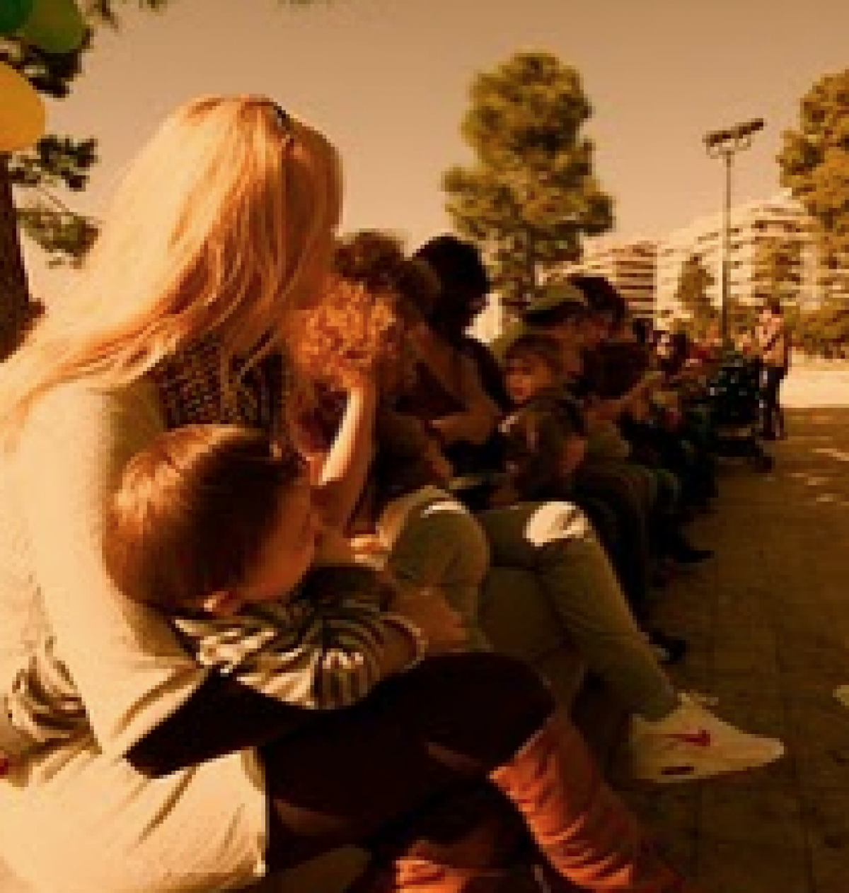 Εικόνες από την εκδήλωση ταυτόχρονου δημόσιου θηλασμού στην Θεσσαλονίκη!