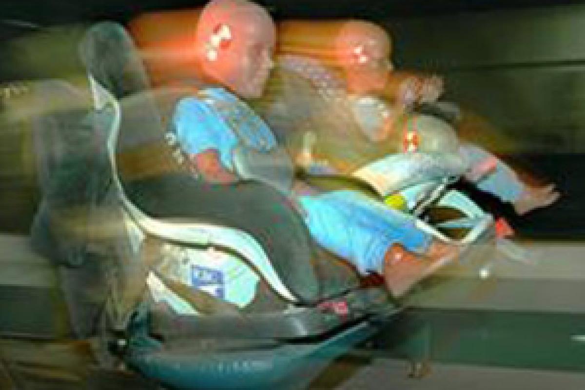Τα παιδιά ΠΑΝΤΑ σε παιδικά καθίσματα στο αυτοκίνητο! ΠΑΝΤΑ!