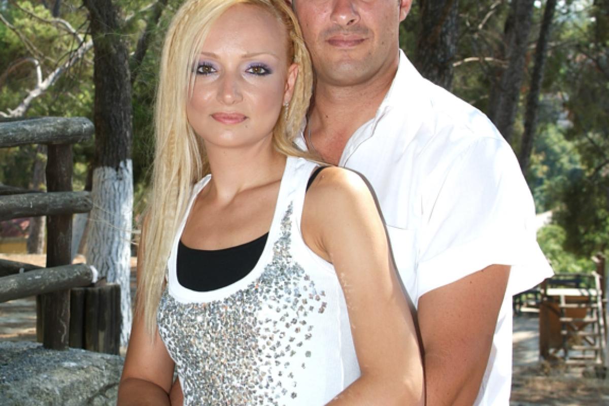 Η ιστορία μιας μεγάλης αγάπης! Άννα+Δημήτρης = Μάνος!