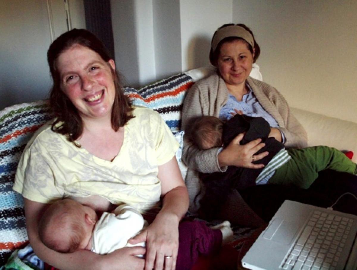 Μαμάδες στο internet: Η Δήμητρα και η Εβίτα του BabyFeat