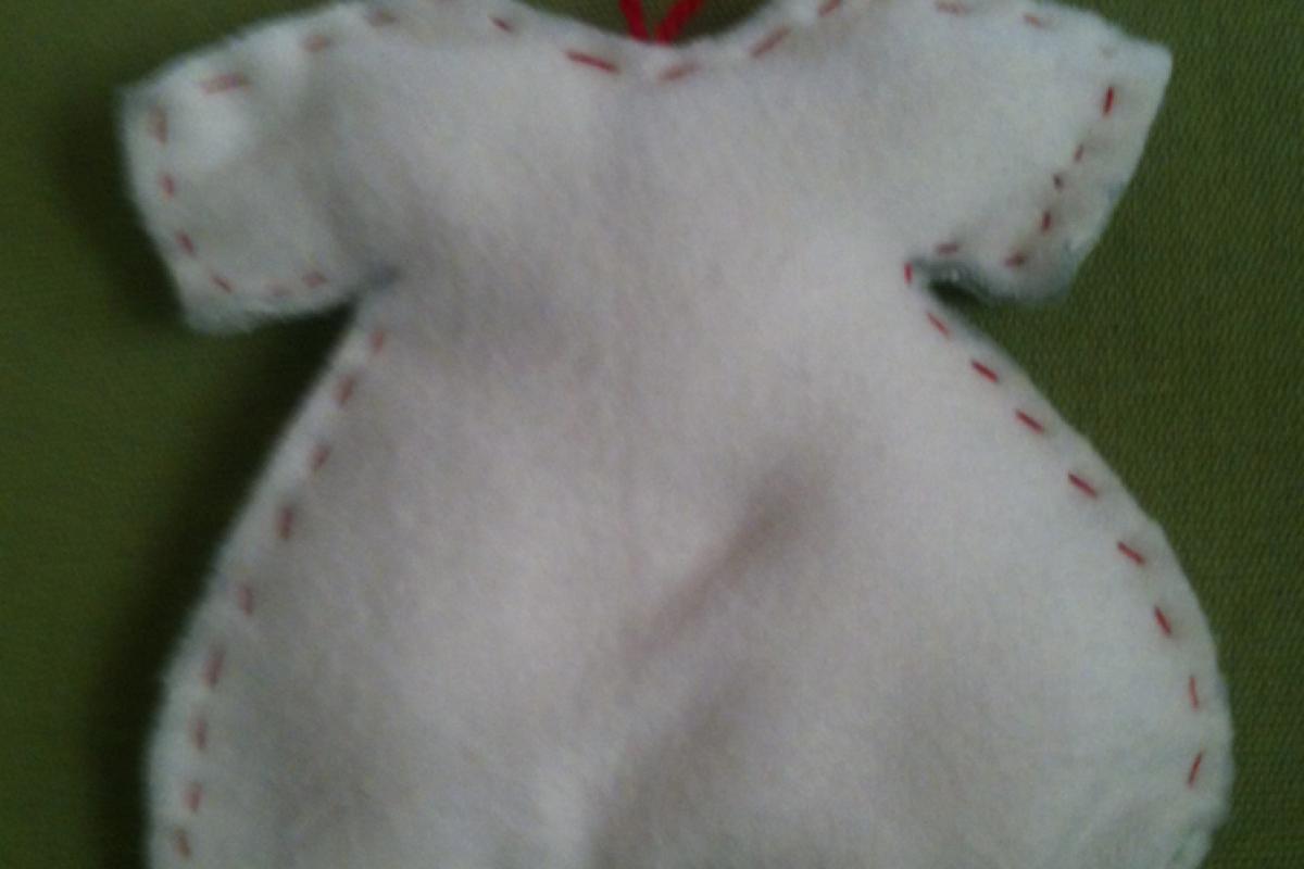 Πώς να φτιάξετε υφασμάτινα, χριστουγεννιάτικα στολίδια!