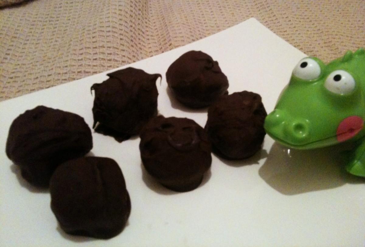 Έχεις μπισκότα; Φτιάξε σοκολατένιες μπουκιές!