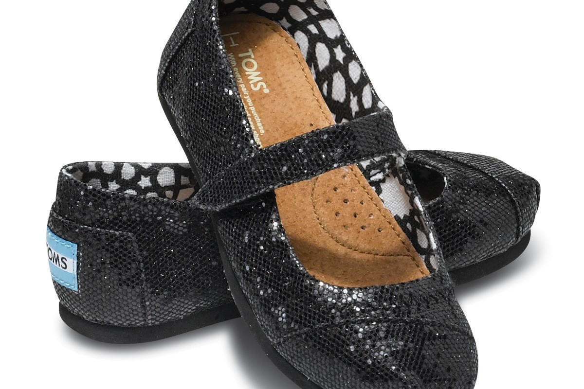 TOMS: παπούτσια για πολύ καλό σκοπό!