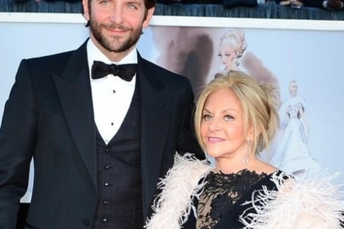 Ακόμη και οι stars του Hollywood θέλουν τη μαμά τους!