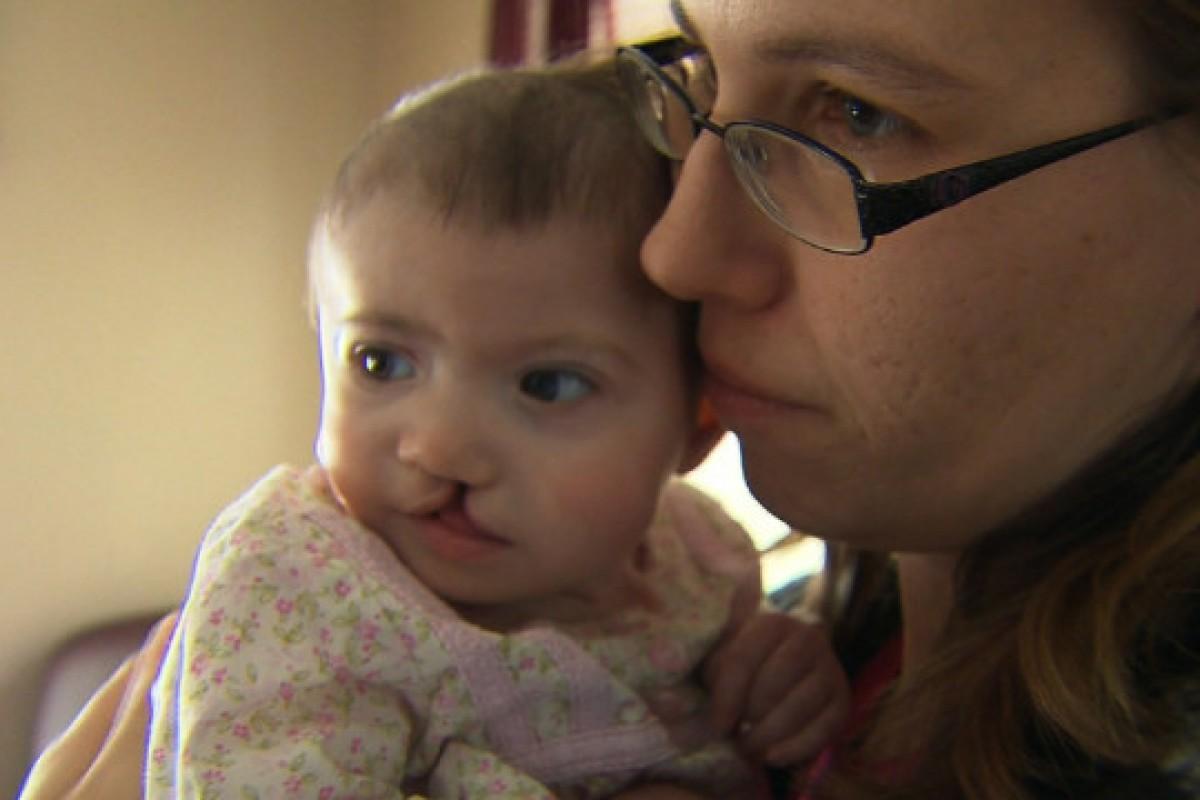 Προσέφεραν $10,000 σε παρένθετη για να προχωρήσει σε διακοπή κύησης