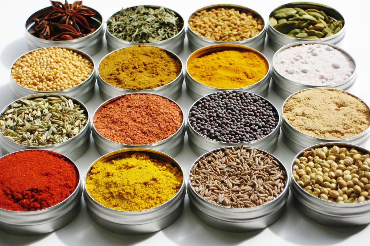Μπαχαρικά και Αρωματικά φυτά και σε ποια φαγητά ταιριάζουν