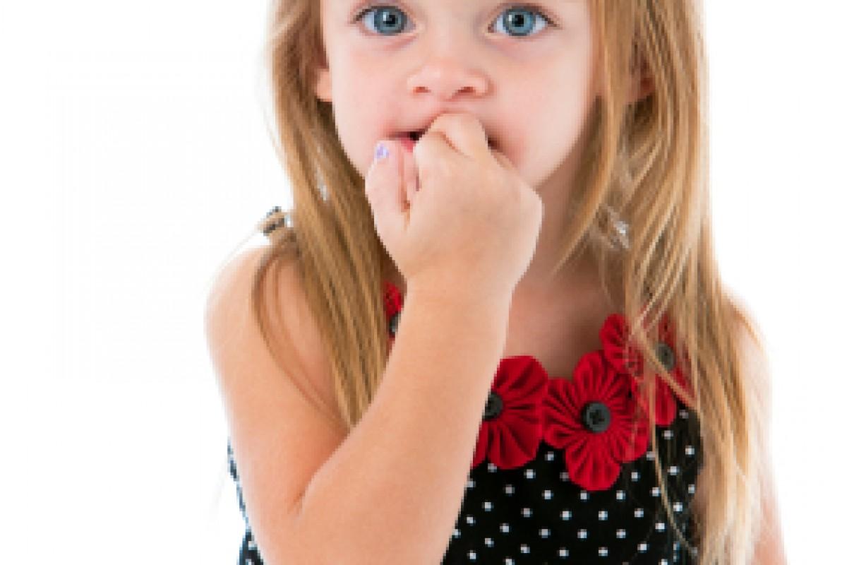 Βοήθεια! Η κόρη μου τρώει τα νύχια της!