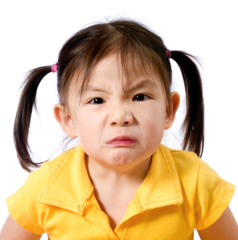 Η μαμά ρωτάει: πώς θα σταματήσει να είναι αντιδραστική η κόρη μου;