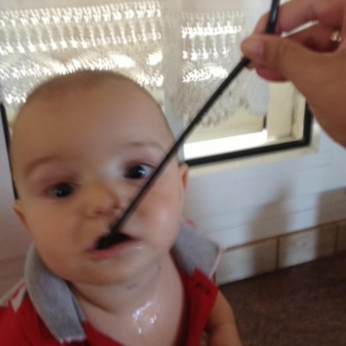 Μπορεί ένα μωρό να πίνει με καλαμάκι;