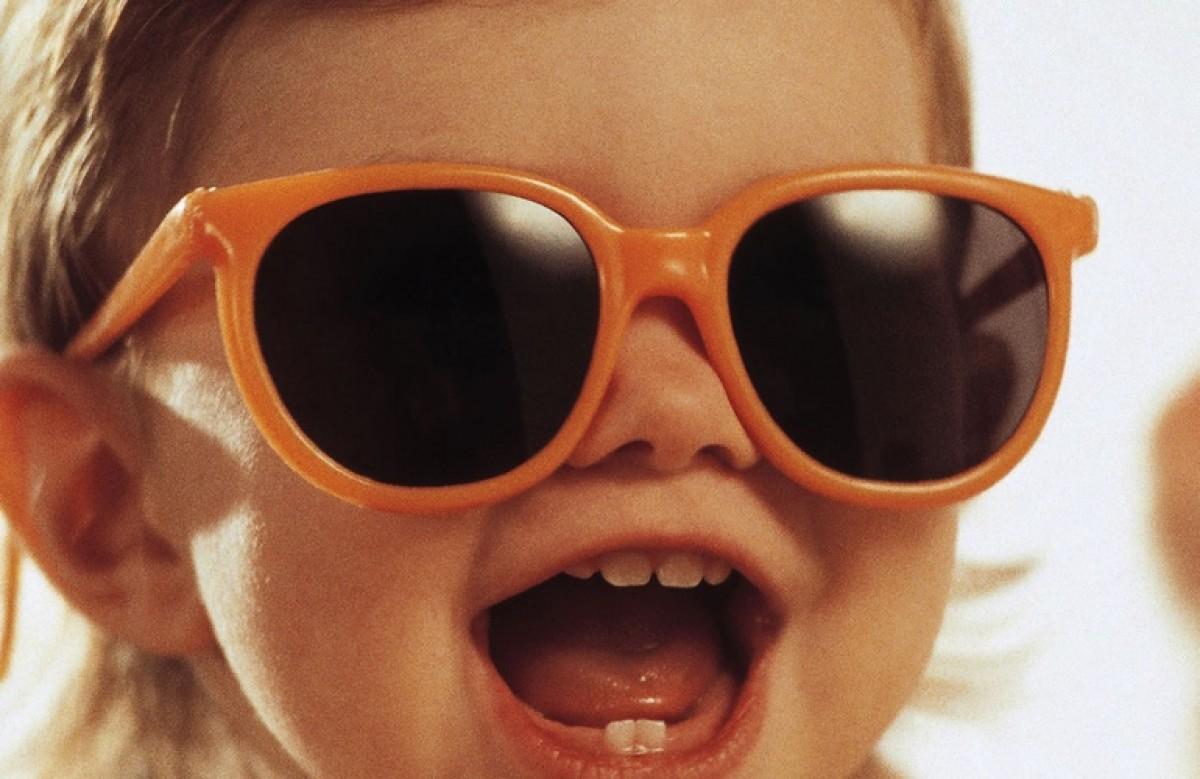 d2a4f571bd Προσοχή στα γυαλιά ηλίου! - Eimaimama.gr