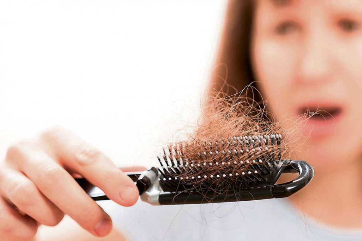Βοήθεια, χάνω τα μαλλιά μου! – Γυναικεία τριχόπτωση