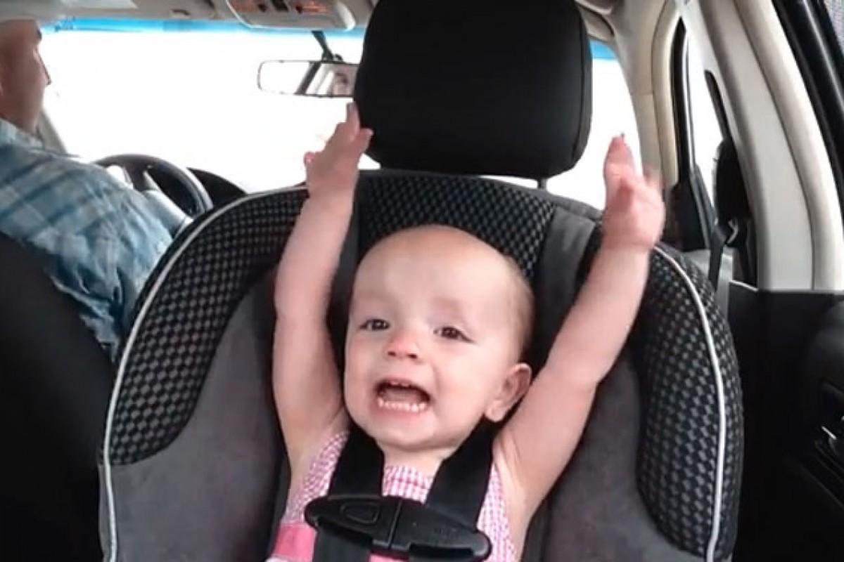 Τραγουδίστρια… 21 μηνών! (βίντεο)