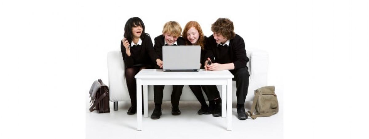 Πώς να μιλήσεις στα παιδιά σου για τη σωστή και ασφαλή χρήση της τεχνολογίας