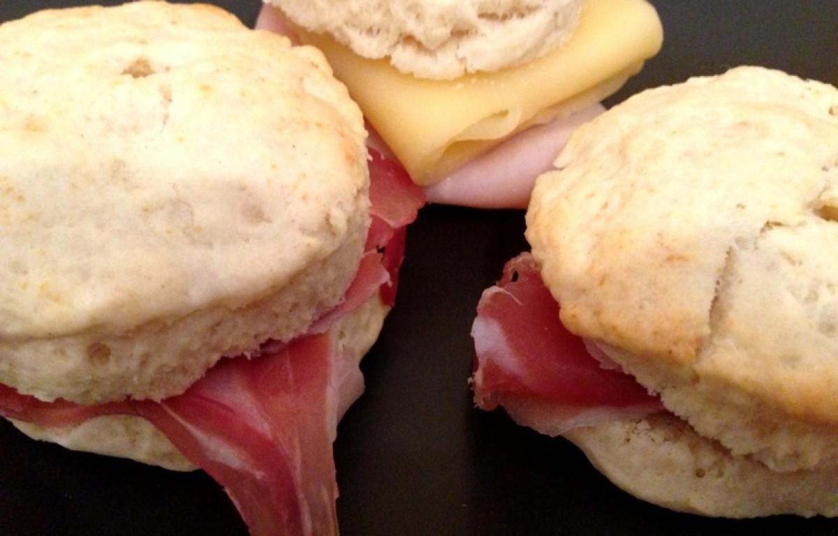 Φτιάξτε νόστιμα ψωμάκια με δύο υλικά!