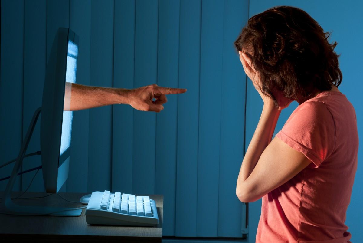 5 πράγματα που θα πρέπει να γνωρίζετε για το cyber bullying (εκφοβισμός μέσω διαδικτύου)
