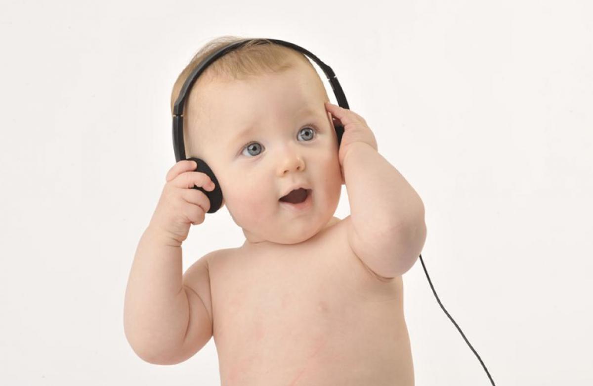 Η ακοή και η ομιλία του παιδιού σας από τη γέννηση εως τον πρώτο χρόνο της ζωής του