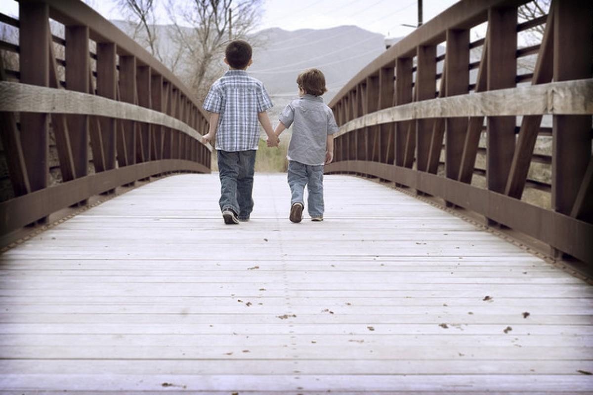 Θέλετε το μικρότερο παιδί σας να επιτύχει; Φερθείτε του όπως στο μεγαλύτερο