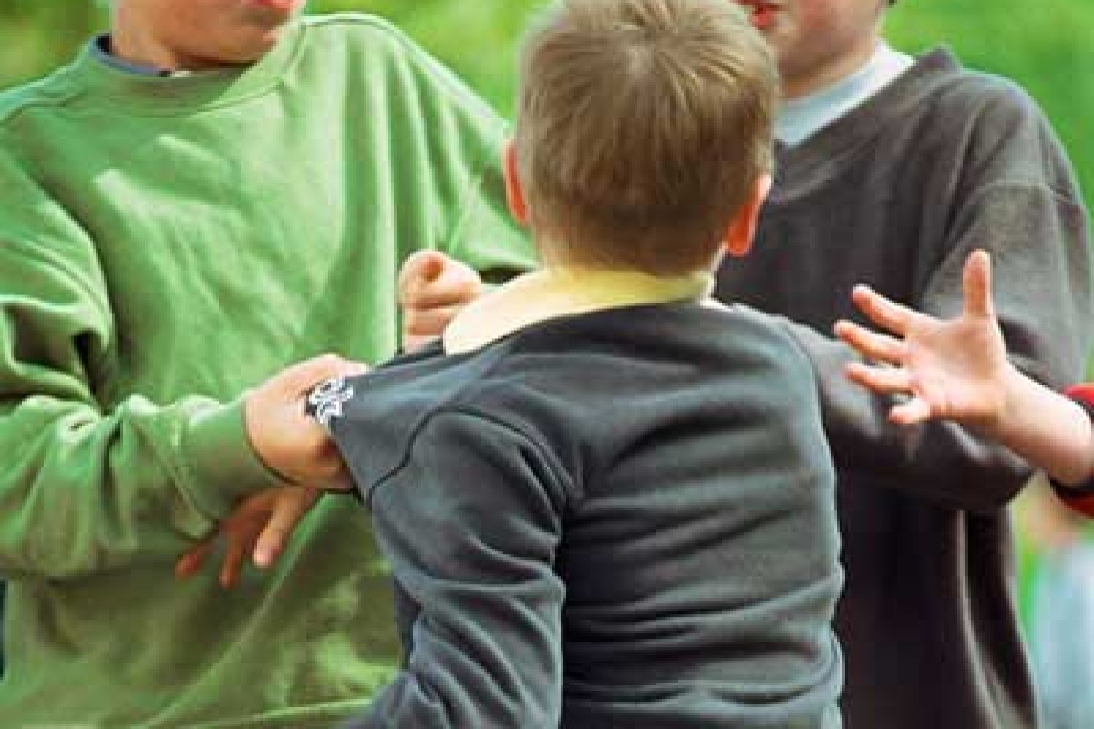 Θα πρέπει να τιμωρούνται οι γονείς των παιδιών που εκφοβίζουν;
