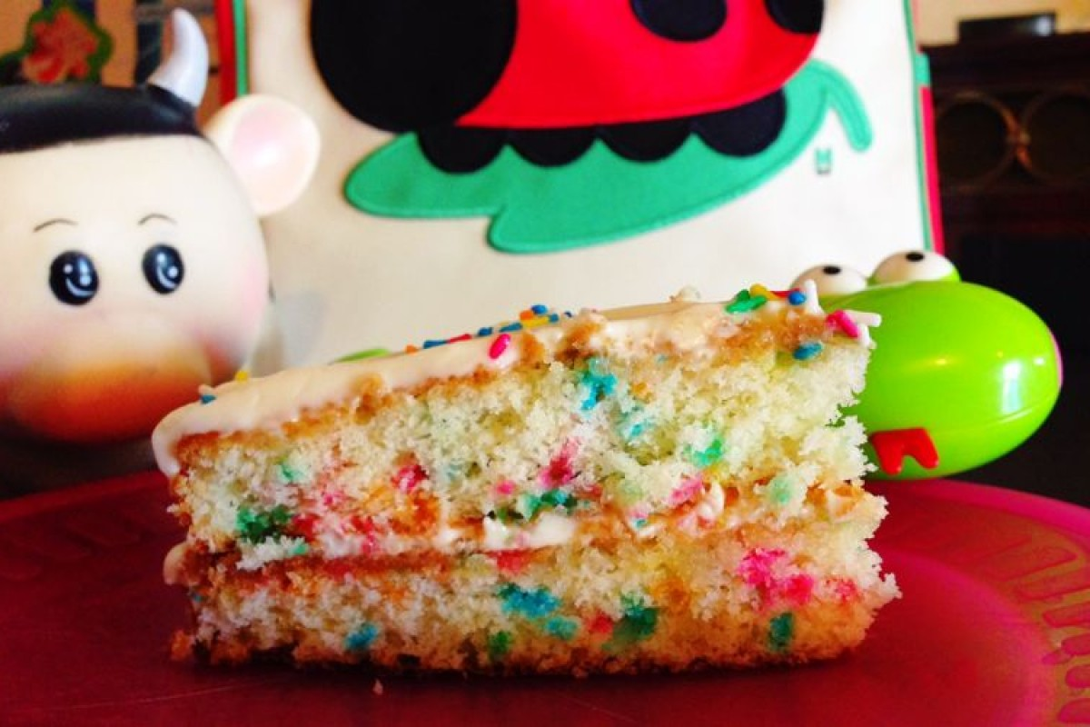 Υπέροχο Funfetti Cake! Θα κολλήσετε μαζί του!