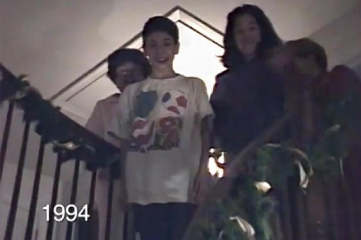 VIDEO: Μπαμπάς βιντεοσκοπεί τα παιδιά του να κατεβαίνουν τις σκάλες κάθε Χριστουγεννιάτικο πρωινό για 25 χρόνια!