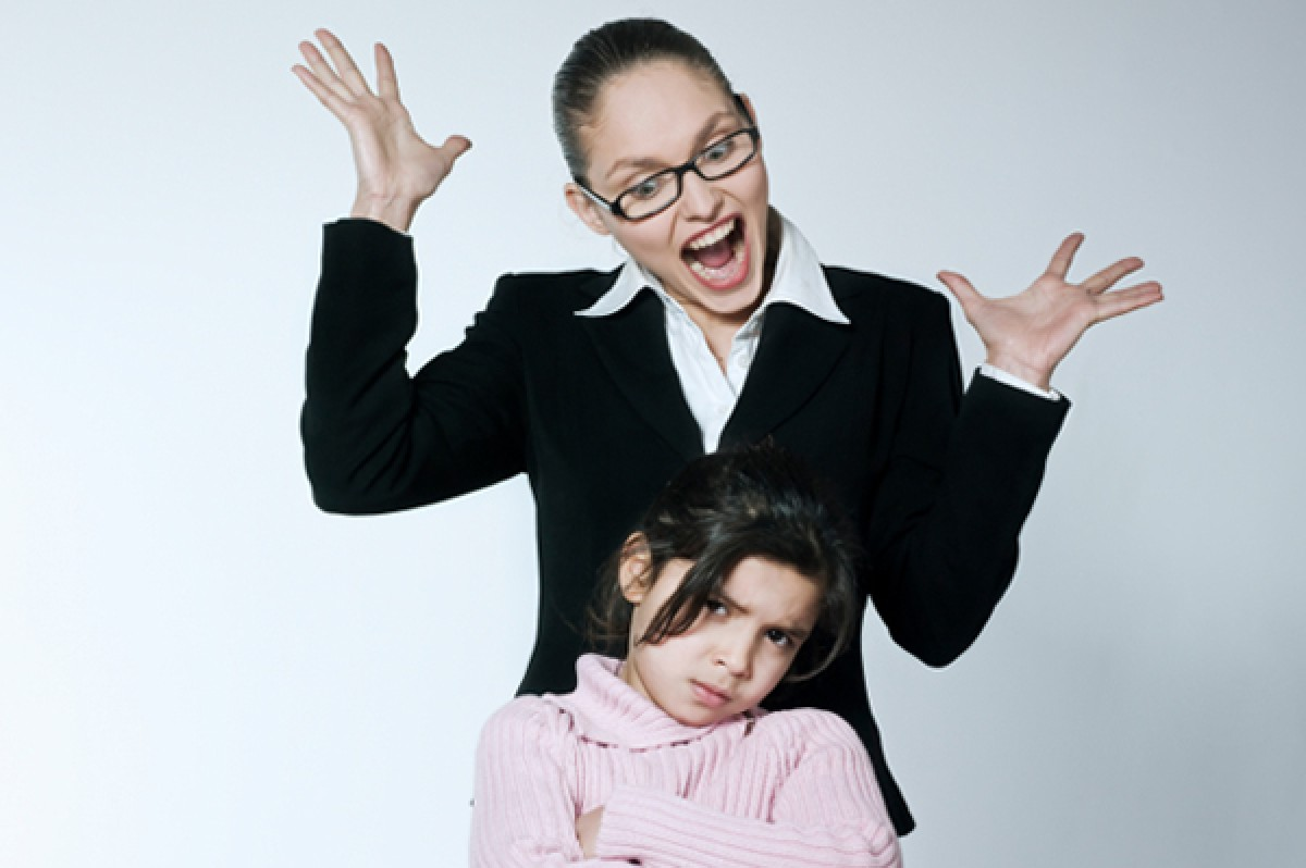 H (γονεϊκή) γλώσσα κόκκαλα δεν έχει και κόκκαλα (παιδιών) τσακίζει!