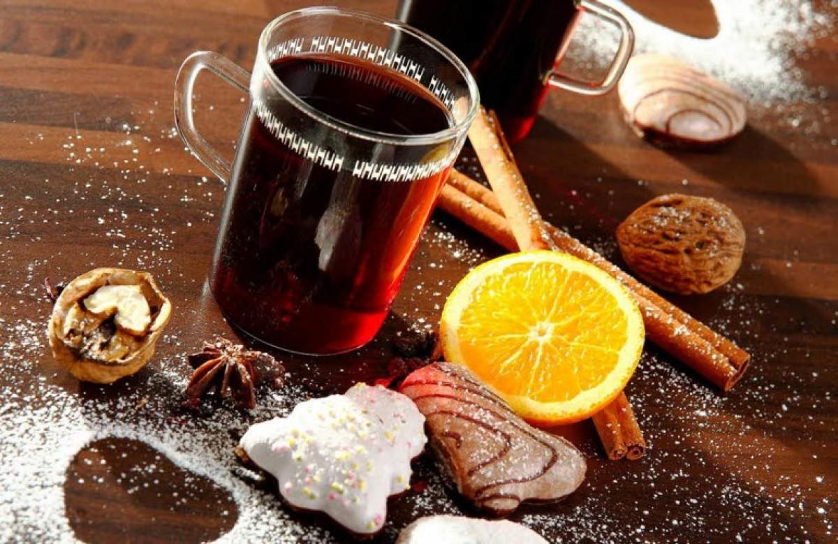 Glühwein: το ζεστό αλκοολούχο ρόφημα με κρασί για τις κρύες μέρες του χειμώνα!