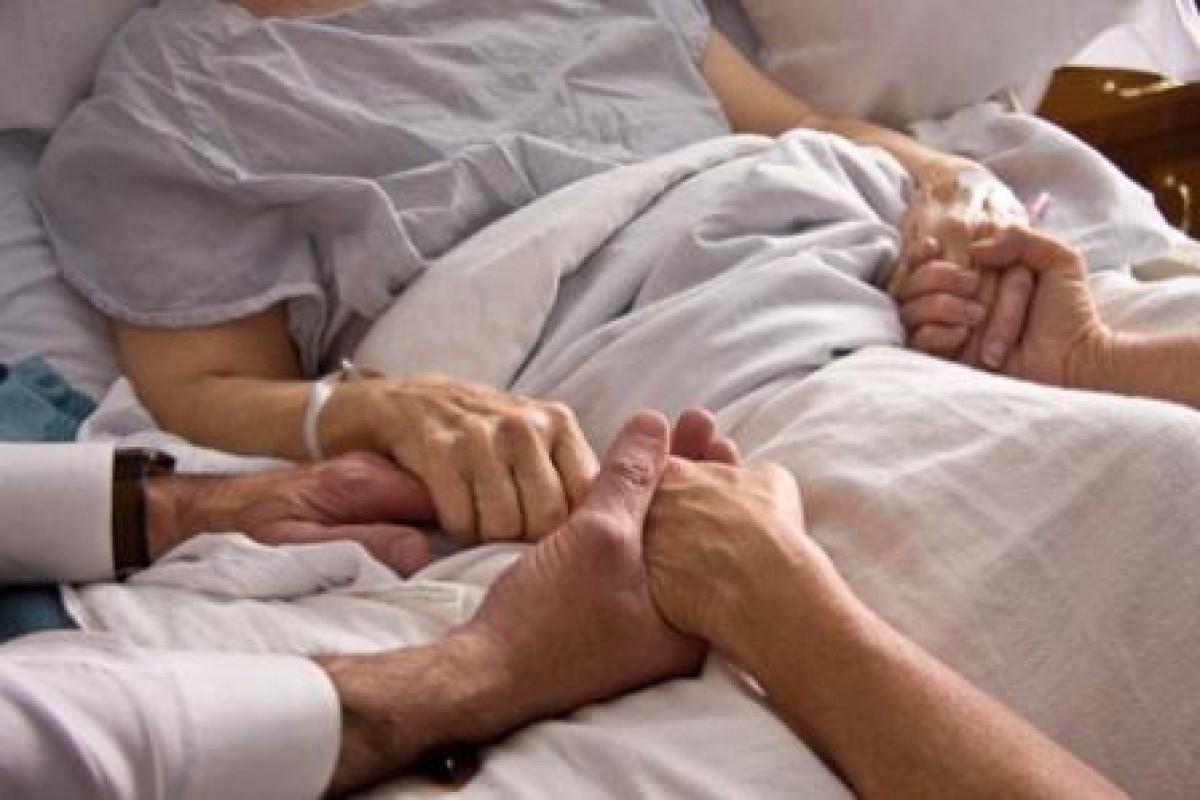Μια νοσοκόμα γράφει για τα όσα μετανιώνουμε προτού φύγουμε από τη ζωή