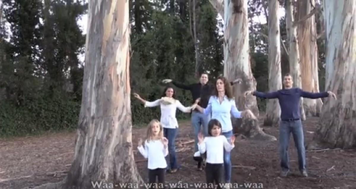Ίσως το πιο ξεκαρδιστικό μαμαδο-βίντεο της χρονιάς (Τι λέει το παιδί μου)