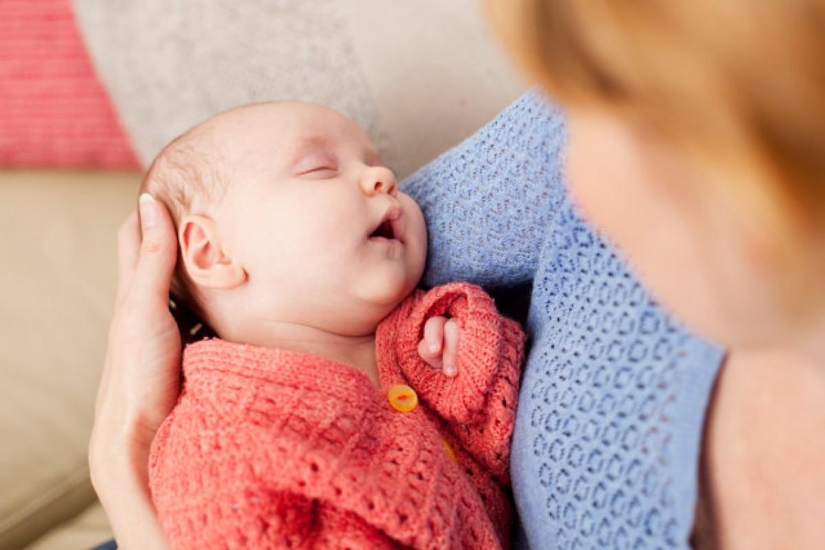 Πόσο επικίνδυνη είναι μία γέννα στο σπίτι; Όσο το να μη φοράει το μωρό σας ζώνη, λένε οι ειδικοί