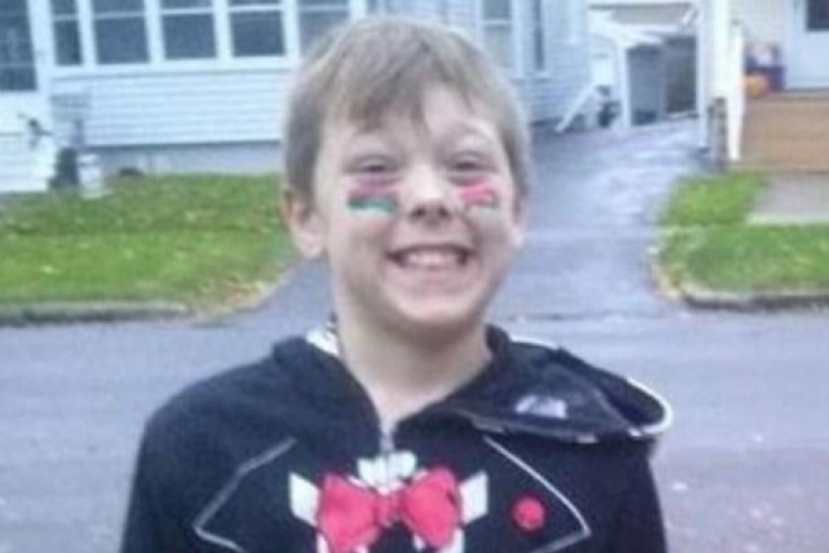 Μικρός ήρωας: 8χρονος χάνει τη ζωή του προσπαθώντας να σώσει την οικογένειά του