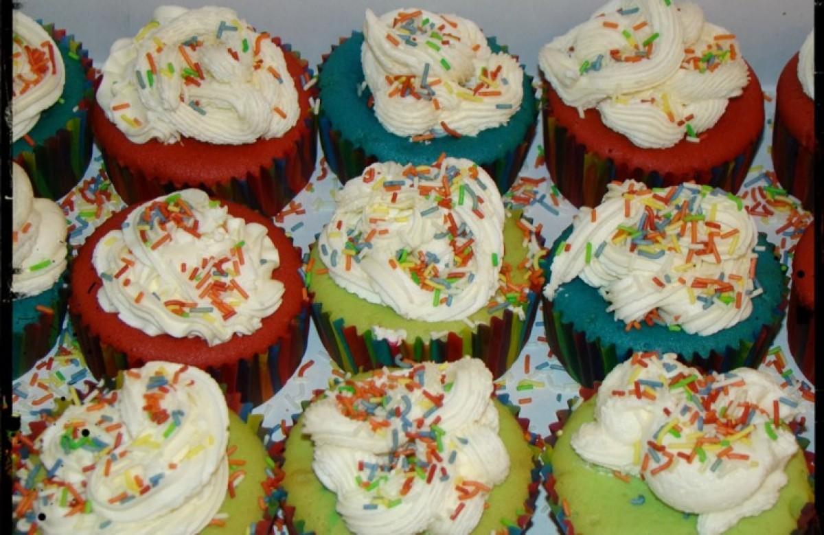 Χρωματιστά cupcakes