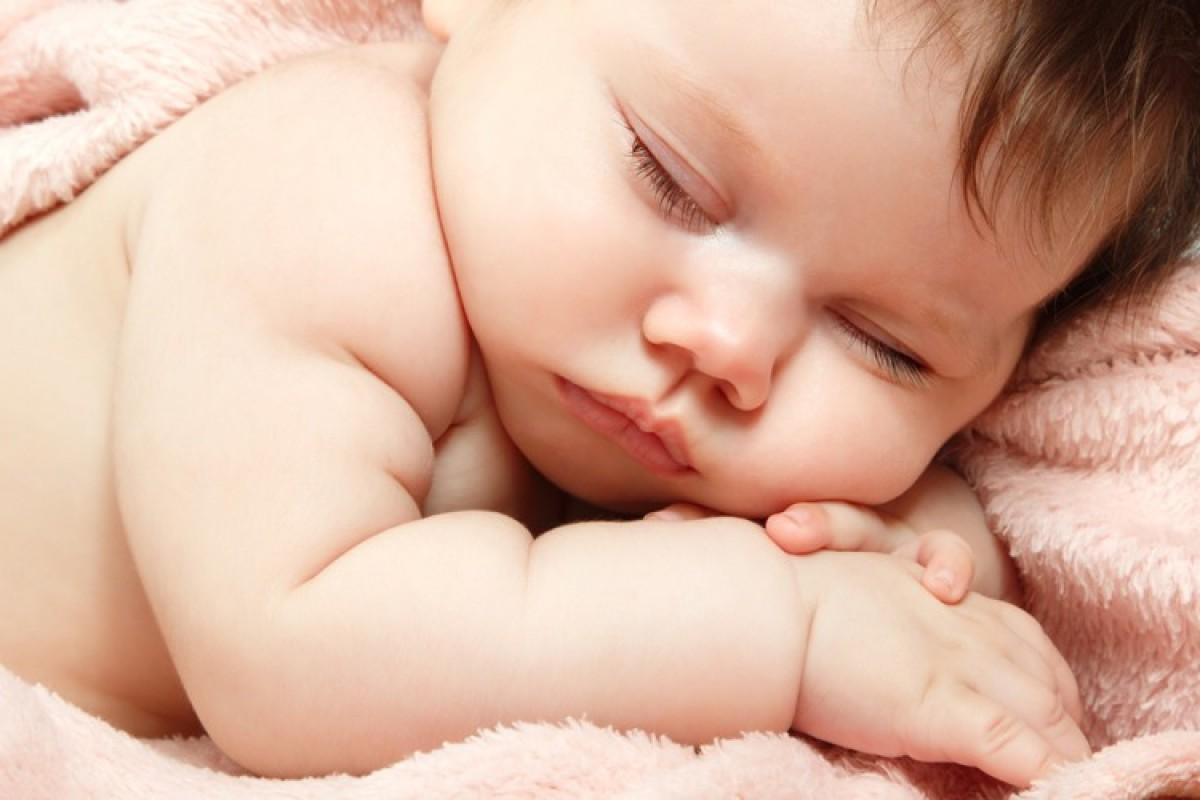 Το μητρικό γάλα, παράλληλα με τις στέρεες τροφές, μπορεί να απομακρύνει τις αλλεργίες