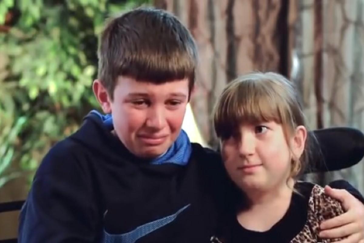 Η συγκινητική αγάπη ενός αγοριού για την αδερφή του