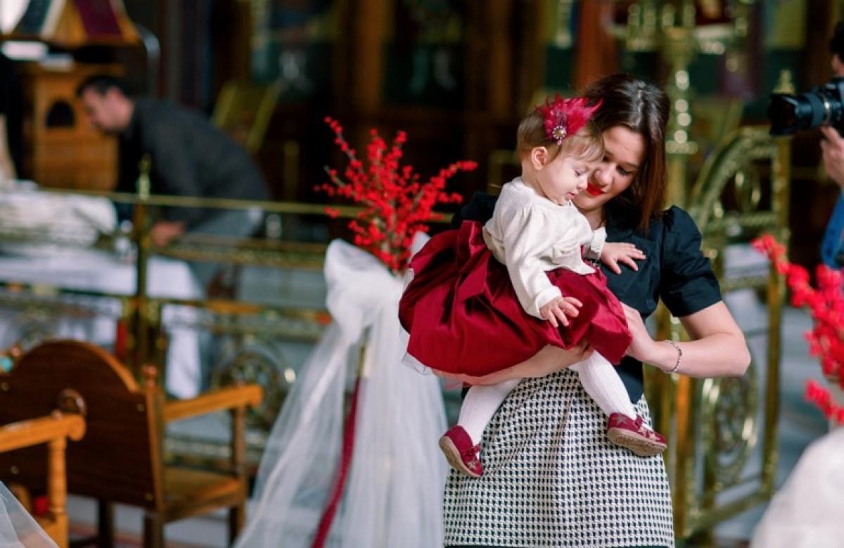 Η χριστουγεννιάτικη βάπτιση της Ειρήνης