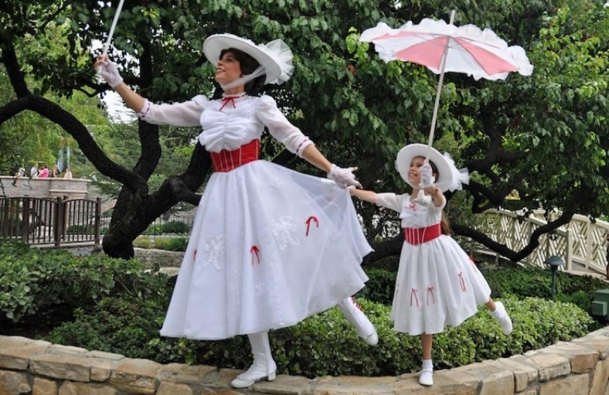 Η μαμά που έφτιαξε πανέμορφα φορέματα ηρωίδων της Disney για την κορούλα της!