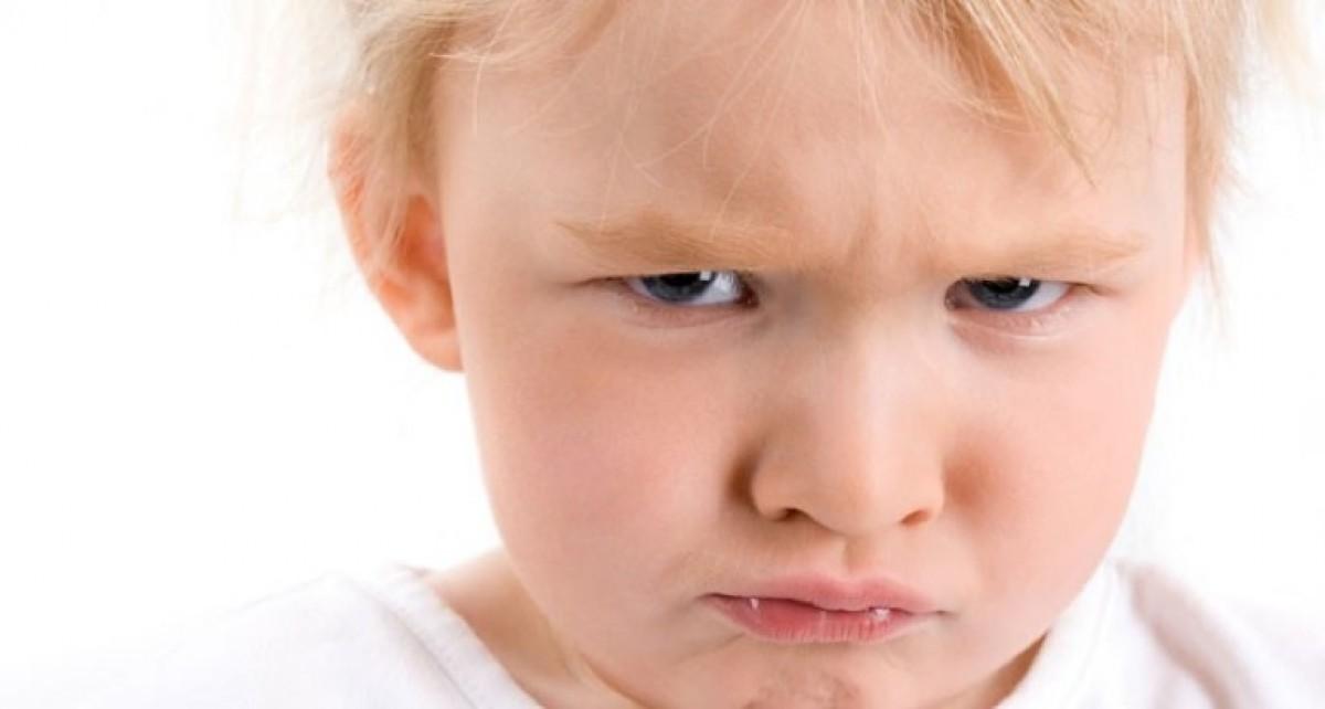 Ο γιος μου είναι πάντα θυμωμένος και επιθετικός!