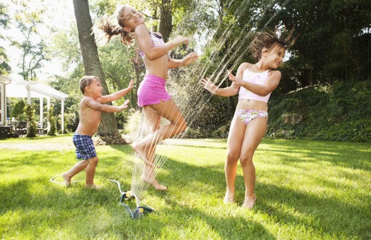 Τα παιδιά παίζουν… (αν τα αφήσουμε ήσυχα!)