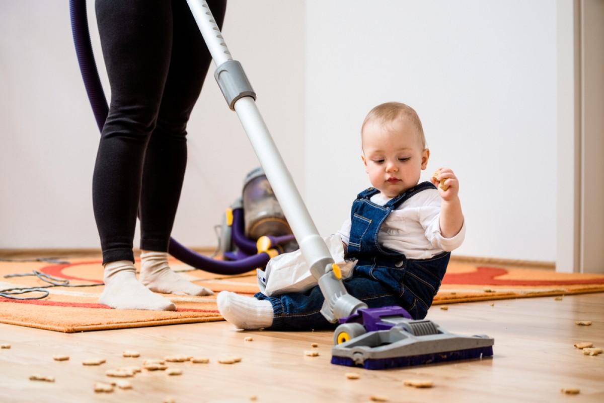 Βρώμικο σπίτι; Μην ανησυχείτε για το μωρό!