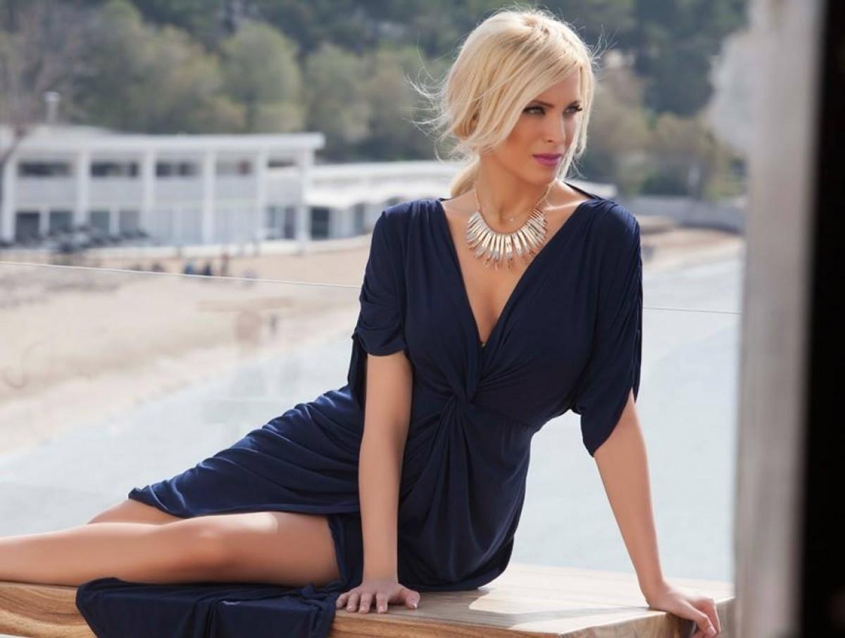 Στιλιστικές προτάσεις για καλοκαιρινά φορέματα για γάμο - Eimaimama.gr 53bd6b1d747