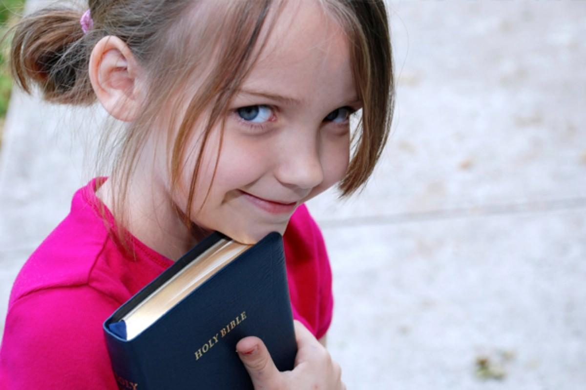 Έρευνα αναφέρει πως τα παιδιά που εκτίθενται στη θρησκεία δυσκολεύονται να διακρίνουν το μύθο από την πραγματικότητα