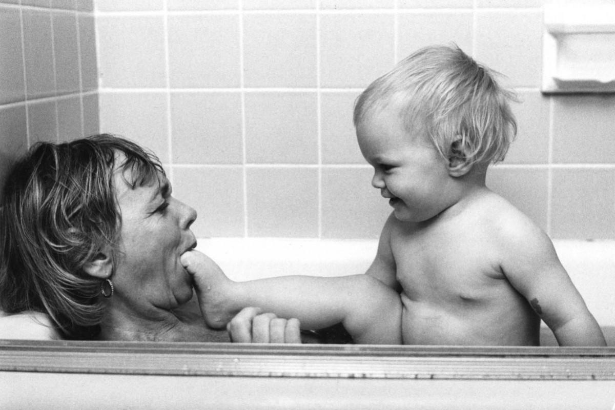 «Μητέρες» – Μία υπέροχη σειρά φωτογραφιών από το παρελθόν που συγκινεί