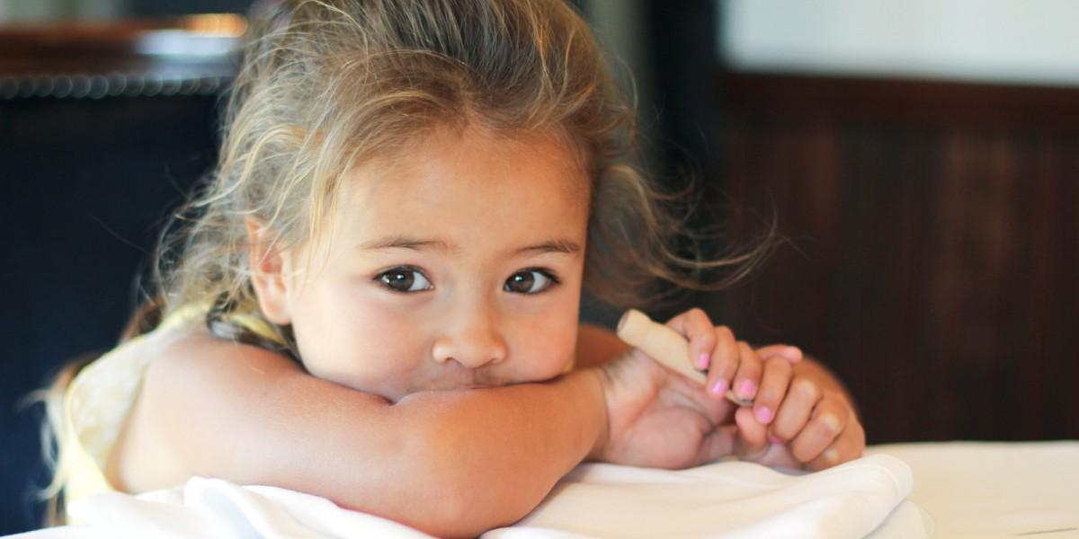 Ένα 4χρονο κορίτσι γίνεται κριτικός εστιατορίου
