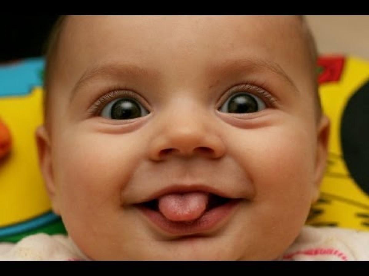 [Βίντεο] Δείτε πώς είναι να ζεις στον ξεκαρδιστικό κόσμο των μωρών