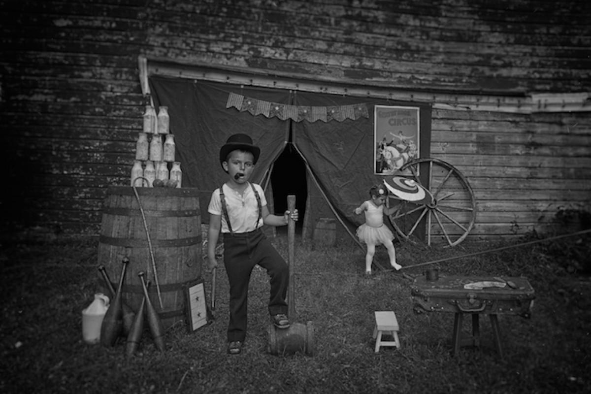 Μπαμπάς φωτογραφίζει την Αμερική του χθες με πρωταγωνιστές τα παιδιά του