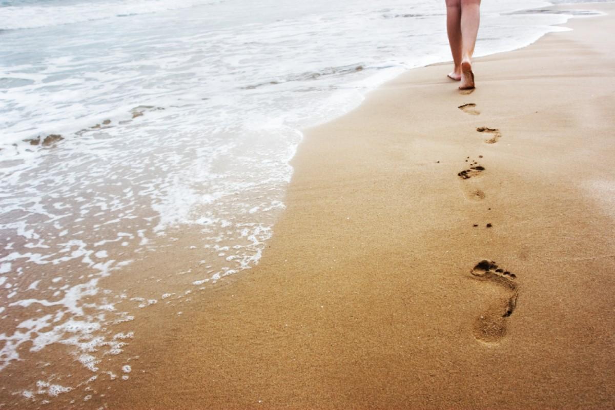 Περπατήστε στην άμμο! Κάνει… καλό!