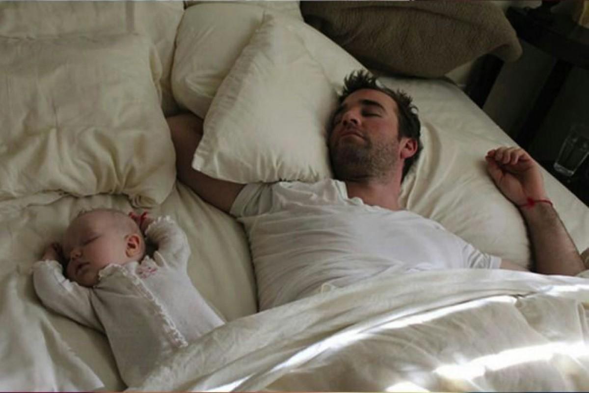 Έρευνα: Πώς η γέννηση του μωρού επηρεάζει την ερωτική διάθεση του πατέρα