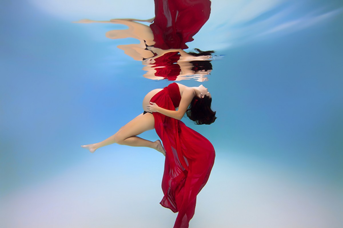 Εγκυούλες μέσα στο νερό – μια υποβρύχια φωτογράφιση!