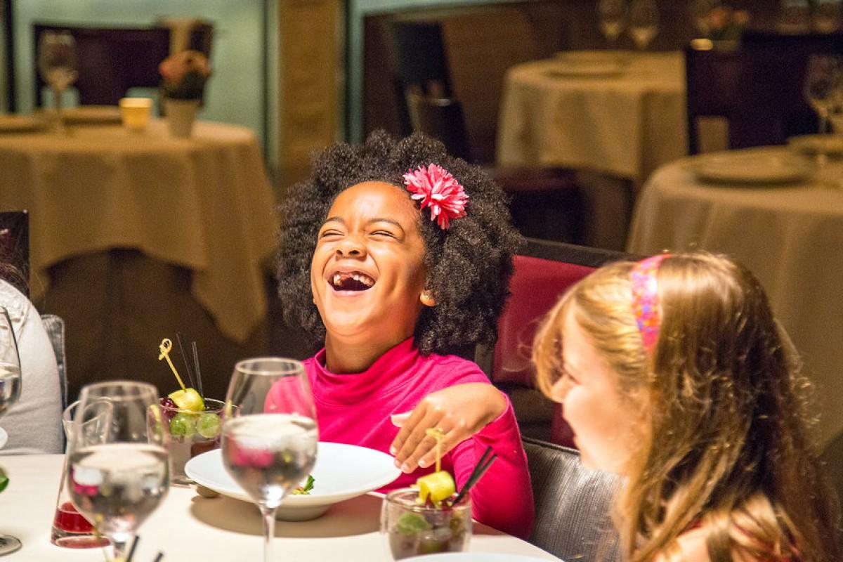 Δείτε πώς αντέδρασαν αυτοί οι μαθητές της Β' Δημοτικού σε ένα γεύμα αξίας $220 δολαρίων!