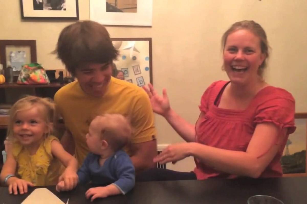 Δείτε πώς αυτή η μέλλουσα μαμά ανακοίνωσε την εγκυμοσύνη της στους φίλους της