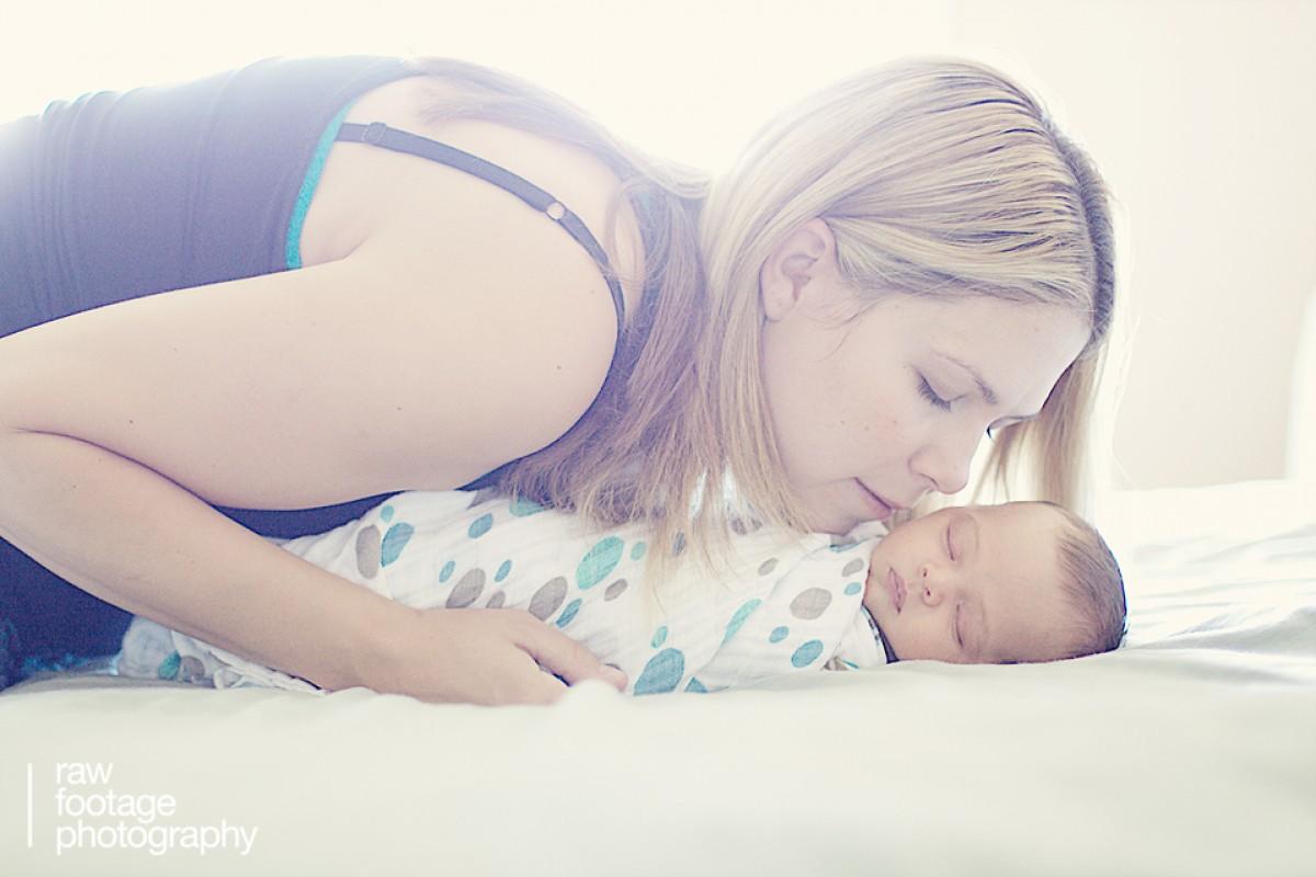 Η Μεγάλη Βρετανία συμβουλεύει τις μέλλουσες μητέρες να προτιμήσουν τον τοκετό στο σπίτι